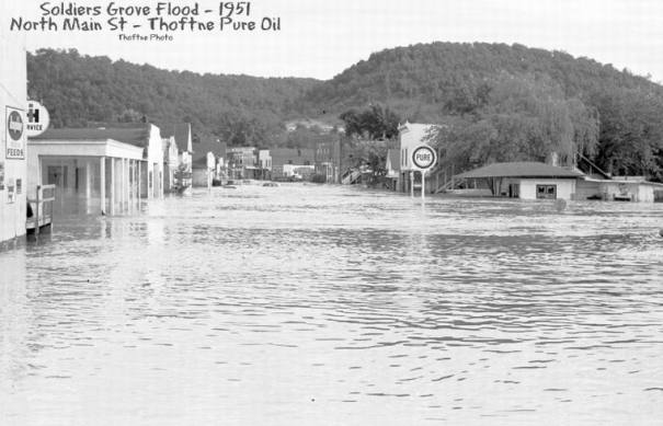 1951 flood from west end of town