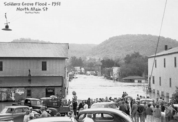 1951 flood: North Main St
