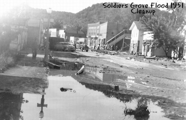 1951 flood: Clean-up
