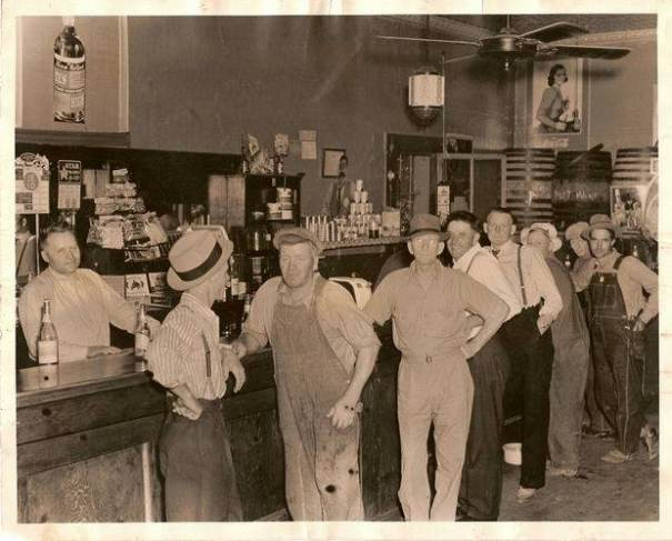 1930s: Fortney Bar
