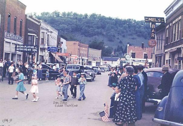 1949: Main St