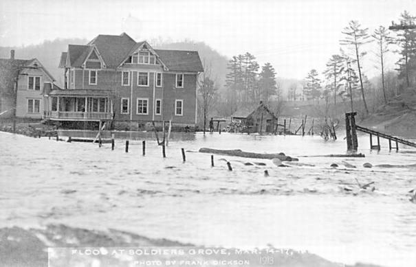 1913 flood: Saw mill