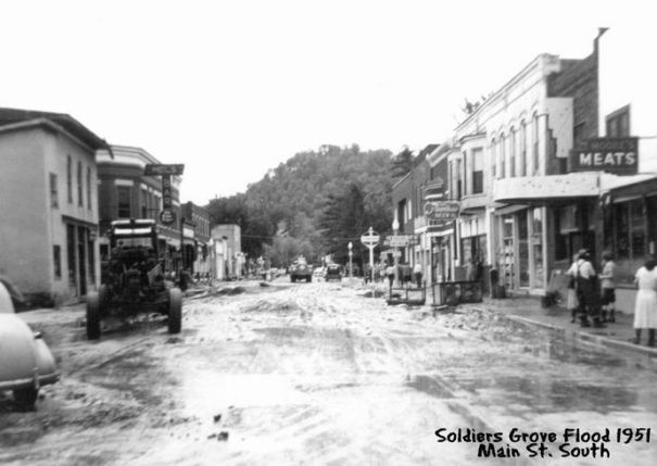 1951 flood: Main St south