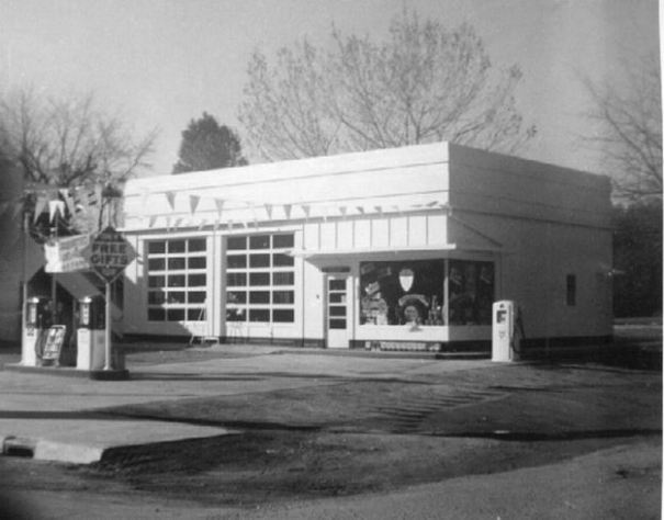 1957: New Thoftne gas station