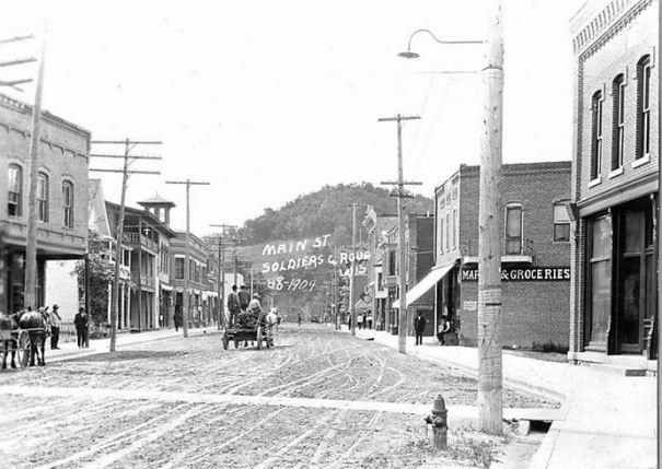 1909: Main Street