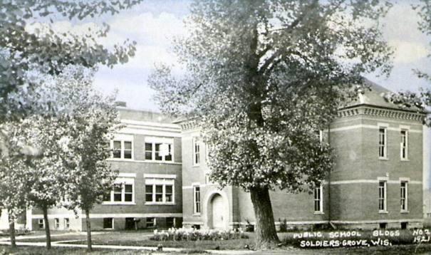 1921: School
